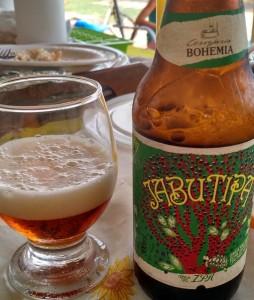 Brazilské pivo s plodem jabuticaba